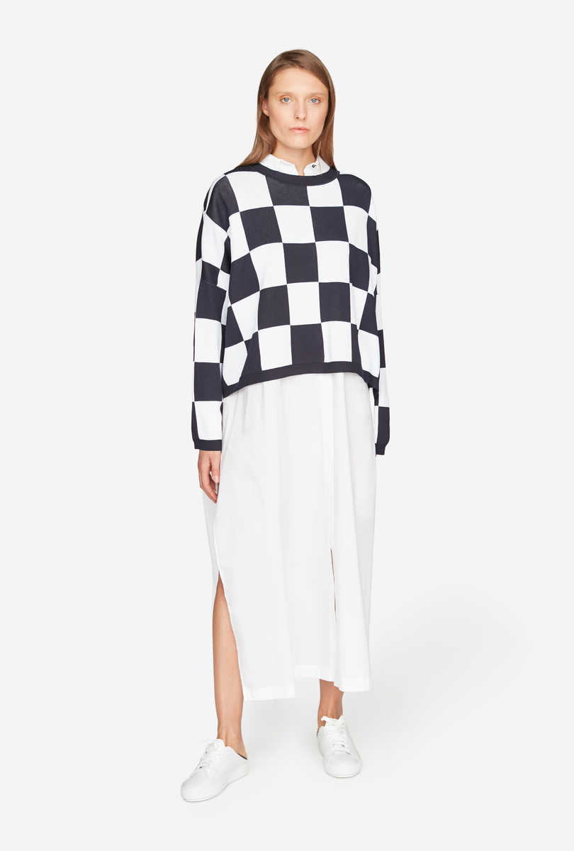 Wide-cut checked jumper